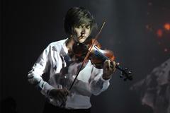 Violin Anh Tú mừng Quốc khánh bằng 'Giai điệu Tổ quốc'
