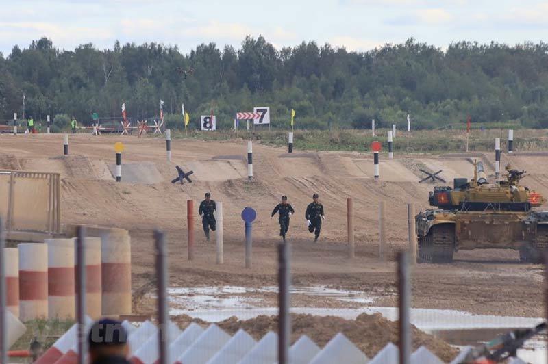 Việt Nam cán đích sau Myanmar ở bán kết Tank Biathlon 2020