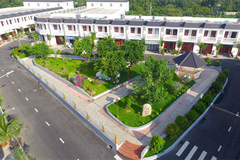 Mở bán 43 căn nhà phố Champaca Garden