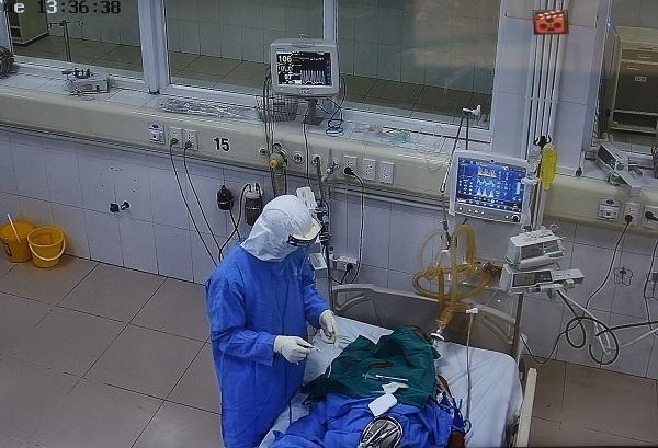 Bệnh nhân Covid-19 mới ở Hải Dương đang rất nặng, thở máy ngay khi nhập viện - ảnhchụplén