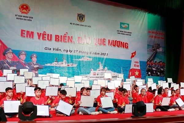 """CSB tổ chức cuộc thi """"Em yêu biển, đảo quê hương"""" tại Gia Viễn"""