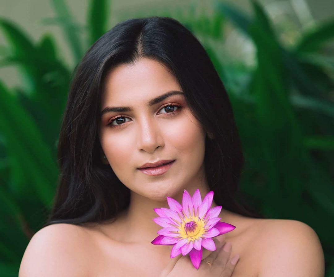 Nhan sắc Hoa hậu Trái đất cao 1,65m của Ấn Độ