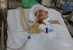 Lật xe khách, người phụ nữ nguy kịch vì cố bảo vệ con
