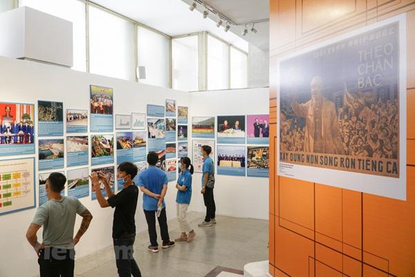 Special exhibition on Vietnam's development path