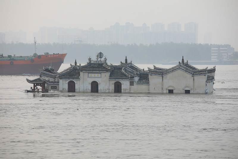 Trung Quốc gánh tổn thất khủng khiếp, cảnh báo mưa lũ tái diễn