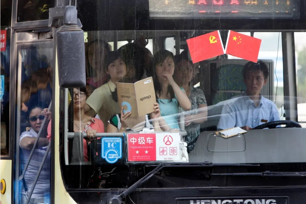 Các nước trên thế giới trừ điểm giấy phép lái xe khác Việt Nam ra sao?