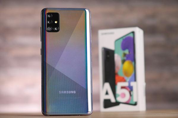 Samsung 'đại hạ giá' nhiều điện thoại, giảm sâu nhất 3 triệu đồng