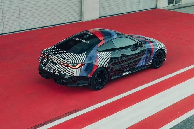 Xe siêu sang 2021 dồn dập ra mắt