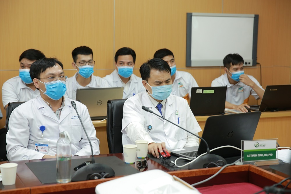 Hàng chục chuyên gia hàng đầu ở Hà Nội hội chẩn cứu ca tai nạn tại Điện Biên