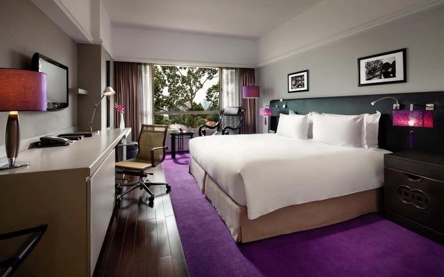 Rộ trào lưu 'đi bụi' ở khách sạn 5 sao vì giá rẻ chưa từng thấy