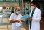 Bệnh nhân 90 tuổi mắc Covid-19 hồi phục thần kỳ, xuất viện về nhà