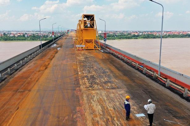 Lý do chuyên gia Nga từ chối sửa mặt cầu Thăng Long