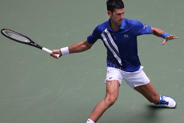 """Djokovic """"tốc hành"""" vào vòng 4 US Open 2020"""