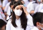 Nữ sinh rạng ngời trong ngày khai giảng ở ngôi trường lâu đời nhất Việt Nam