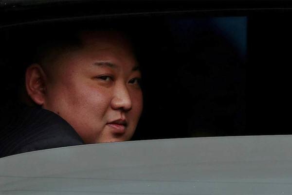 Triều Tiên sắp phóng tên lửa đạn đạo từ tàu ngầm?