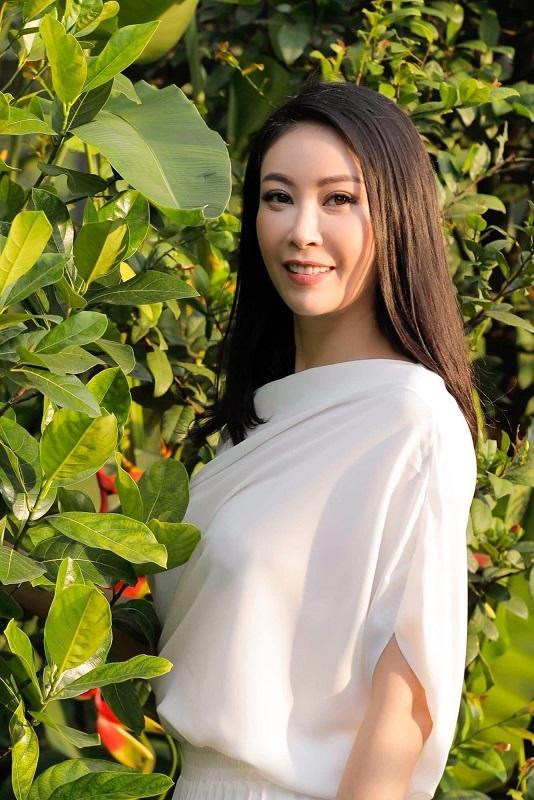 Phạm Hương, Tú Anh xinh đẹp bên hai con trai cưng