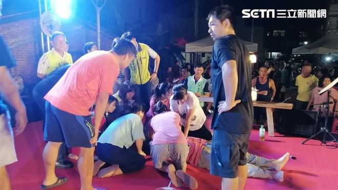 'Ca sĩ quốc dân nhạc tình' của Đài Loan đột tử khi đang biểu diễn