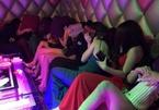 Quán karaoke ở Đồng Nai để tiếp viên thoát y phục vụ khách