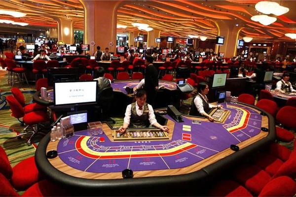 Cho bạn vay tiền để vào casino chơi, bị phạt 100 triệu đồng