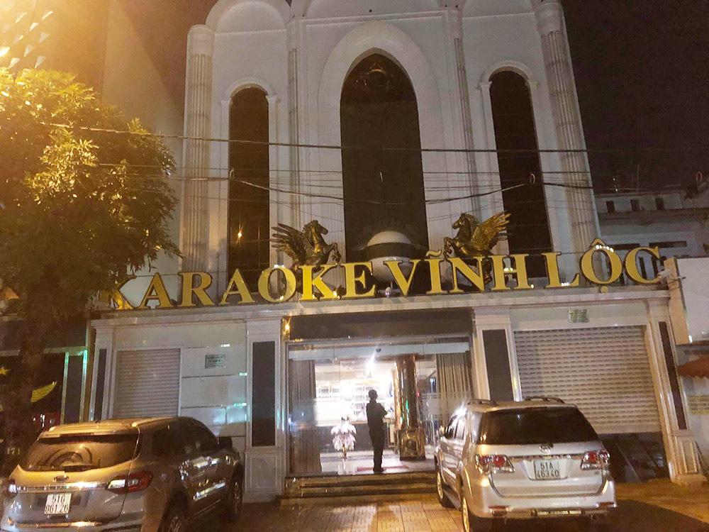 Hàng loạt người phê ma túy trong phòng thu âm ở Sài Gòn