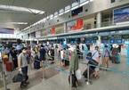 Passenger flights resumed in Danang as virus outbreaks under control