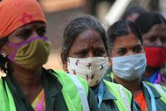 Ấn Độ tiếp tục chạm đỉnh, thủ đô Indonesia tái áp đặt hạn chế vì Covid-19
