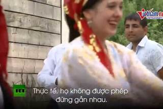Hủ tục kết hôn kỳ lạ của người Digan ở Nga