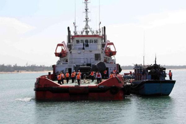 """""""Cảnh sát biển đồng hành với ngư dân"""": Điểm tựa để ngư dân bám biển"""