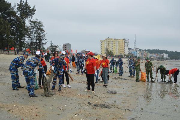 Cảnh sát biển tiếp sức bảo vệ môi trường biển và hải đảo