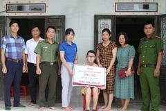 Trao hơn 370 triệu đồng đến em Trần Thị Loan mắc bệnh hiểm nghèo