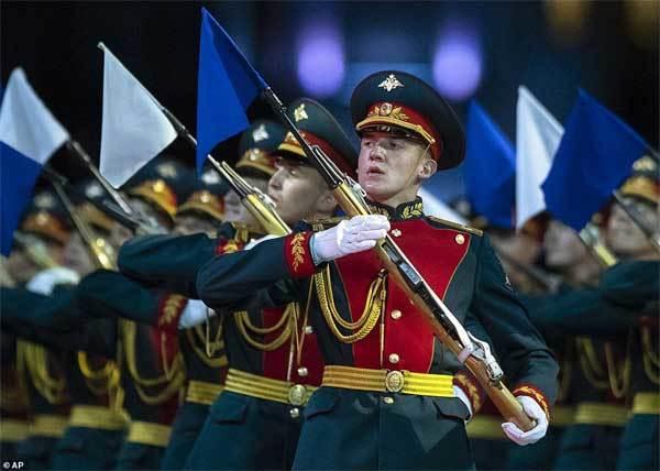 Điểm đáng tiếc trong màn trình diễn ngoạn mục của Nga