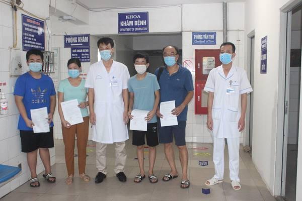 Ba bệnh nhân Covid-19 trong một gia đình ở Hải Dương xuất viện