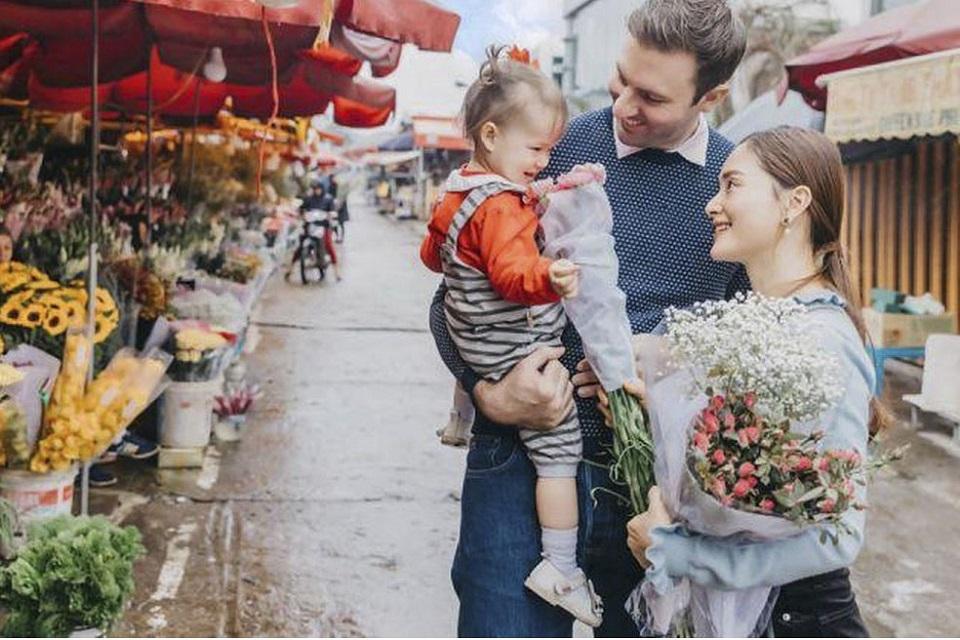 Chồng Tây cao hơn 2m, yêu vợ hết mực của diễn viên Lan Phương