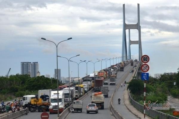 Cầu Phú Mỹ hơn 2.000 tỷ hư hỏng, Phó Chủ tịch TP.HCM chỉ đạo khẩn
