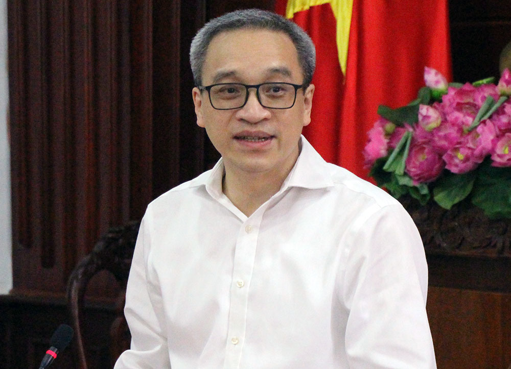 Trao quyết định ông Lã Hoàng Trung làm Giám đốc Sở TT&TT Hậu Giang