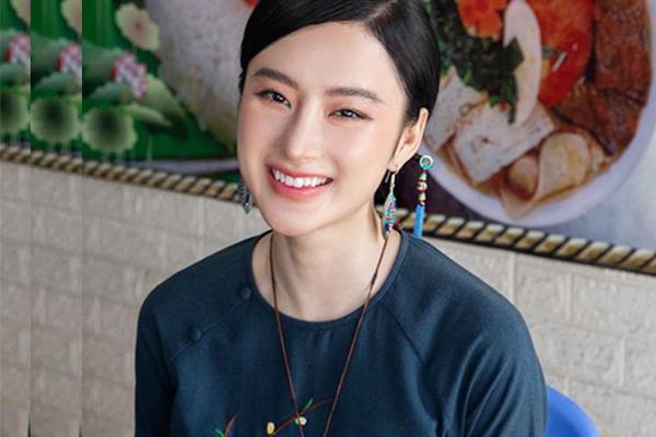Angela Phương Trinh tái xuất với nhan sắc thanh tú, nhẹ nhàng