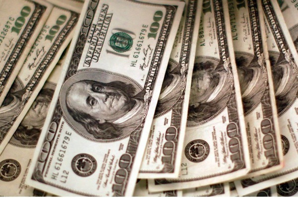 Hơn 100 công dân nước ngoài bất ngờ được Mỹ cho tiền