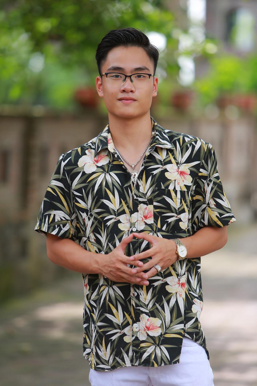 Con trai hotboy 18 tuổi của nghệ sĩ Trà My
