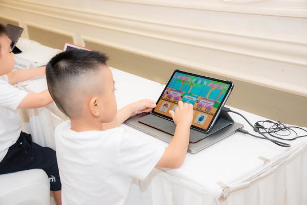 'Dino Đi học' - nền tảng học thuyết đa trí tuệ cho HS tiền tiểu học