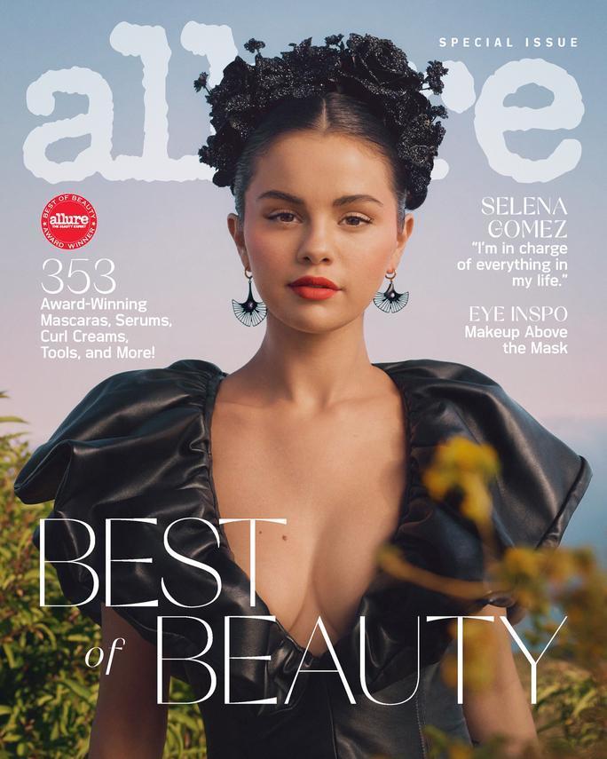 Selena Gomez đẹp mê mẩn trên tạp chí