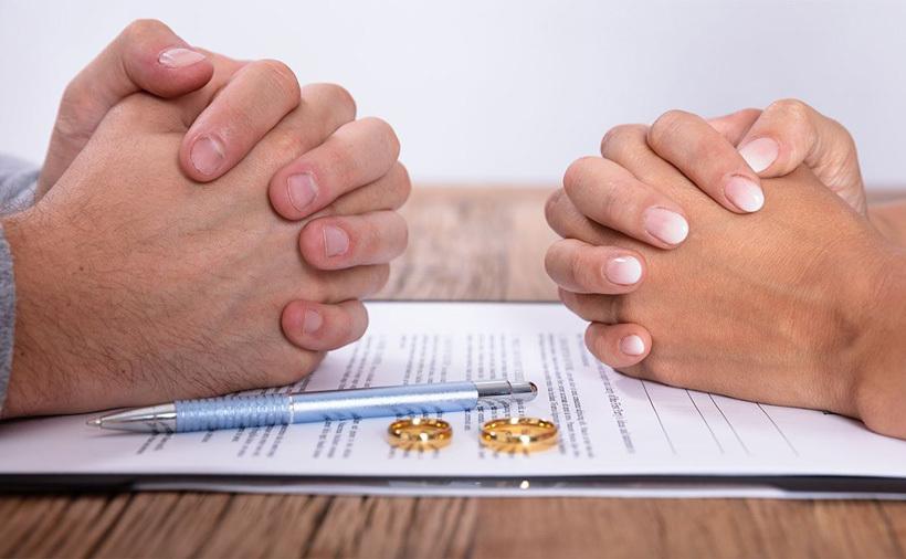 Cưới nhau linh đình sao ly hôn lại lình xình?