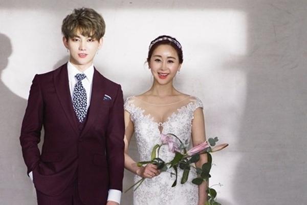 Cuộc sống nhiều áp lực của Hoa hậu Hàn Quốc khi lấy chồng kém 18 tuổi