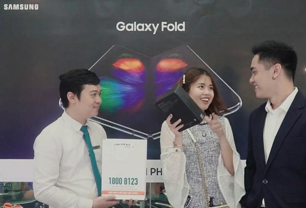 Đã có thể đặt hàng Samsung Galaxy Z Fold2 5G ở Viettel Store