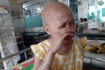 Bạn đọc VietNamNet ủng hộ gần 500 triệu đồng cho bé Bích Chăm