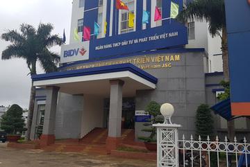 Nữ nhân viên ngân hàng vỡ nợ hơn 170 tỷ ở Gia Lai ra đầu thú