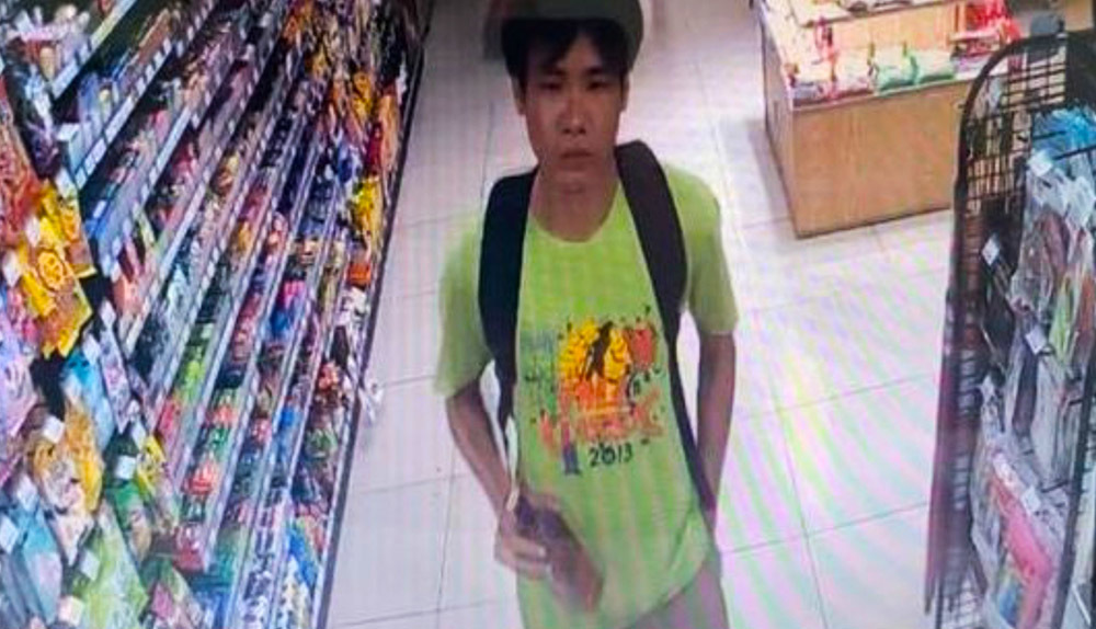 Tên cướp vặt một mình cầm dao đi ngông nghênh giữa Sài Gòn