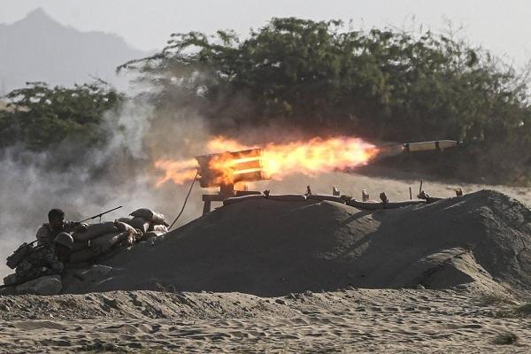 Quân đội Iran tập trận tại eo biển Hormuz