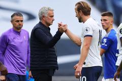"""Premier League 2020-21: Mourinho và """"thói quen"""" bị sa thải"""
