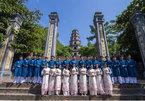 Hue revives old long dress fashion