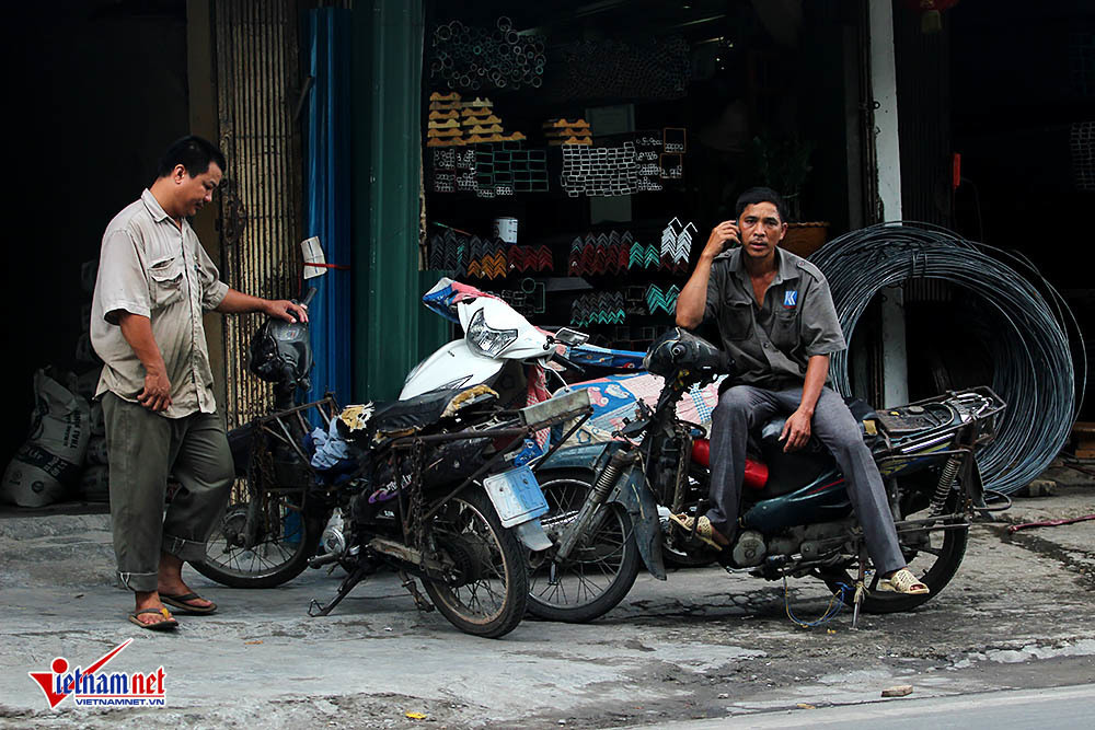 air pollution,old motorbikes,Vietnam environment